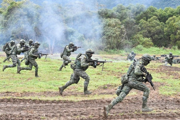 中国軍首脳、3日で台湾を占領できると豪語