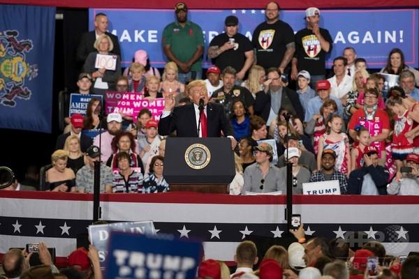 トランプ米大統領、就任100日 「米国史上最大の成功」と豪語