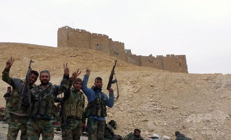 シリア政府軍、ISからパルミラを奪還「象徴的大勝利」