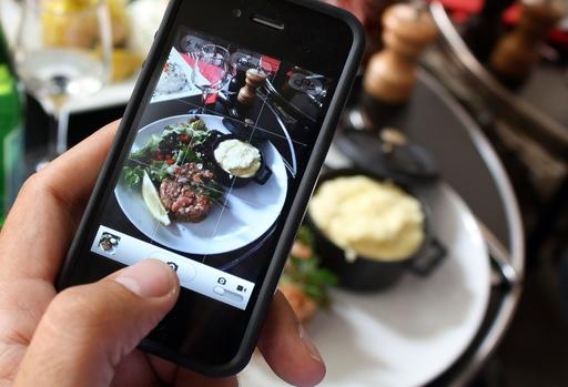 「レストランで料理の写真撮るな」、仏シェフたちの怒り