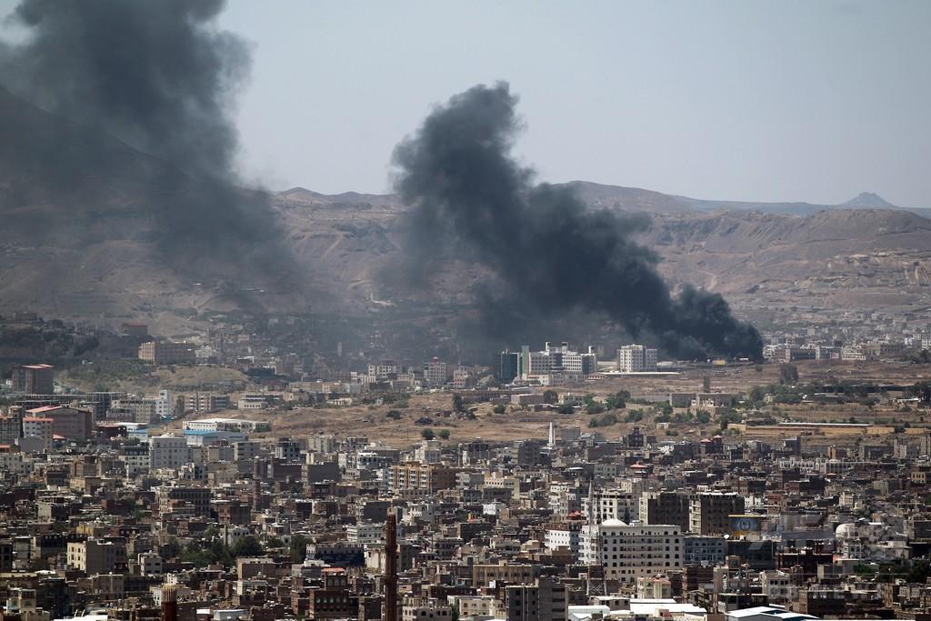イエメン政府庁舎を反政府勢力が占拠、首相辞任で停戦合意
