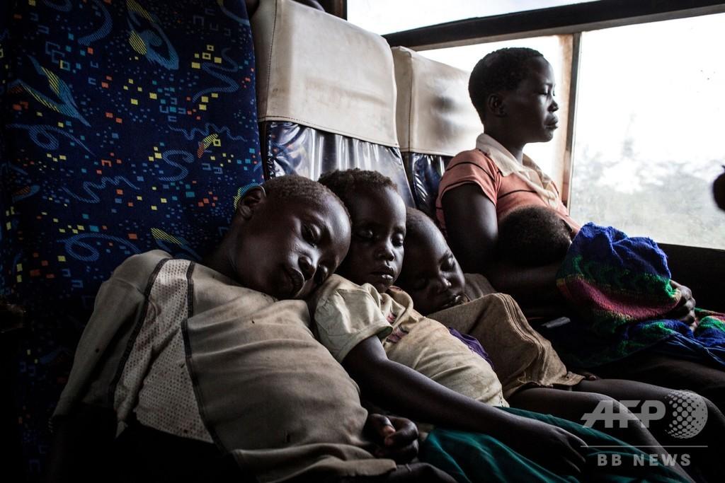 南スーダンからコンゴに多数の難民流入、ウガンダ国境で戦闘