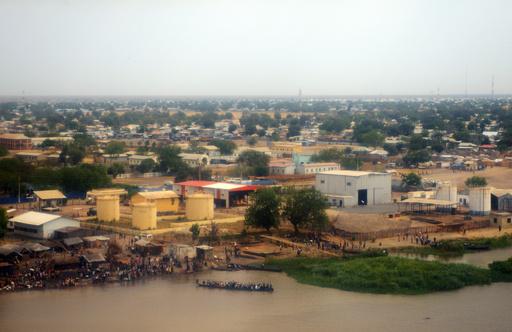 戦火の南スーダン、避難フェリー沈没で200人死亡