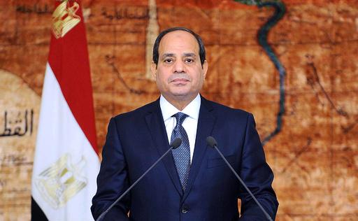 インターネット統制強化法に署名、エジプトのシシ大統領