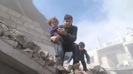 動画:シリア首都近郊で爆撃激化、77人死亡 政府軍、地上戦準備か