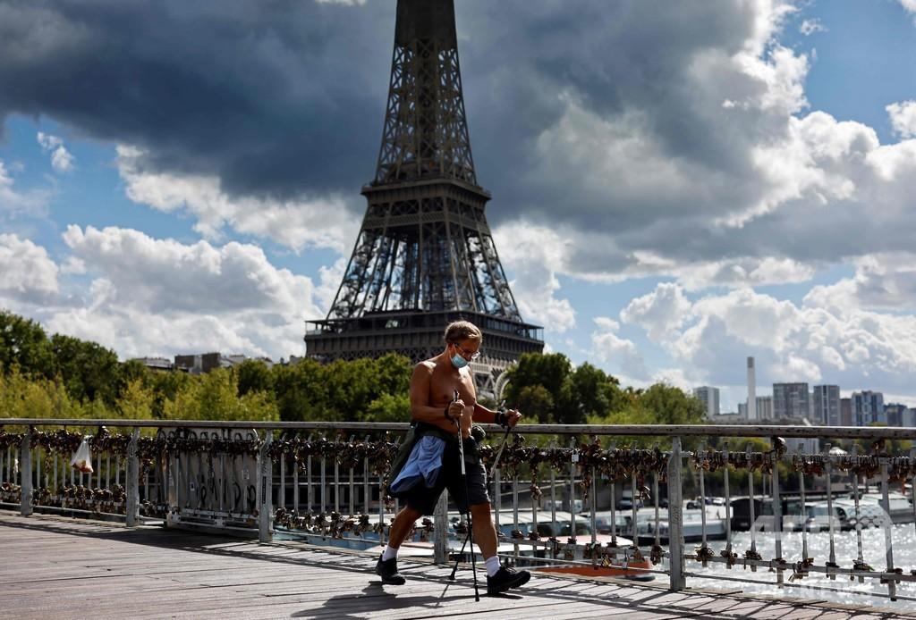 フランス、コロナ新規感染7379人 「指数関数的」増加