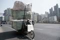 中国の廃棄物輸入禁止策、世界のリサイクル産業に波紋