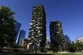 木だらけのビルが地球を救う? 大都市にそびえ立つ「垂直の森」