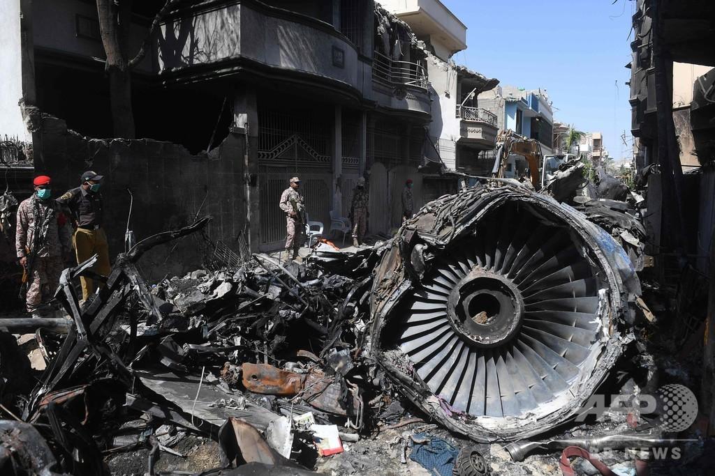 パキスタン墜落、機長らがコロナの会話 注意散漫が一因に