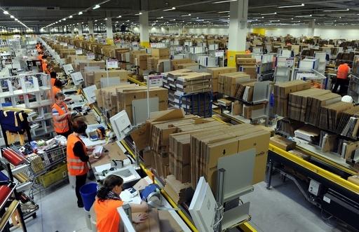 米アマゾンの独流通施設で労働者いじめか、警備会社との契約を解除