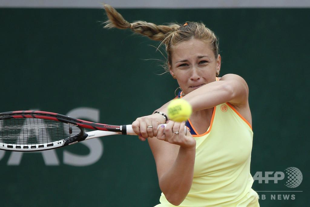 「食べ物にも困る」 新型コロナで追い詰められる無名テニス選手