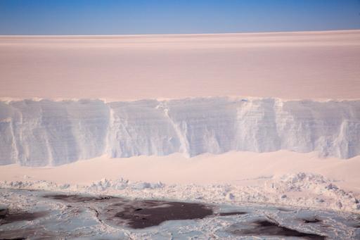 南極の海氷面積、2014年から急減 17年には過去40年最小に