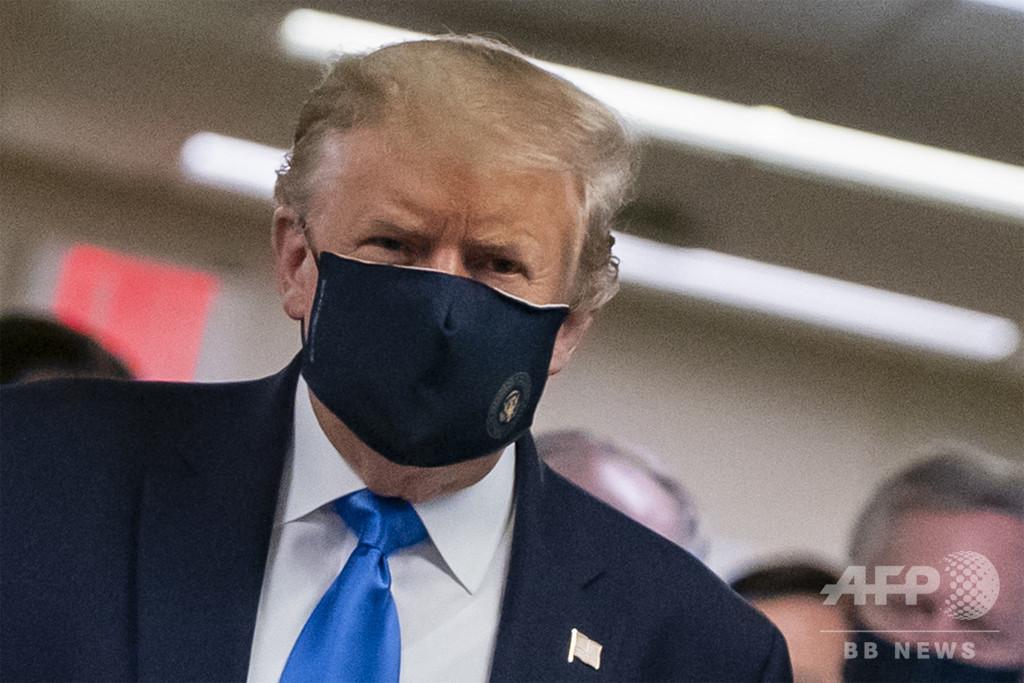 マスクは「愛国的」 トランプ氏、自身の着用写真投稿