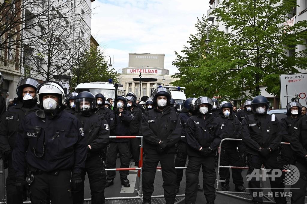 コロナ対策の外出制限に抗議、約1000人がデモ 極右が主導 独ベルリン