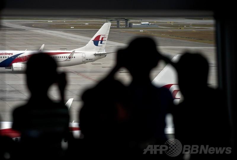 不明機の乗客はなぜ携帯電話を使わなかったのか?