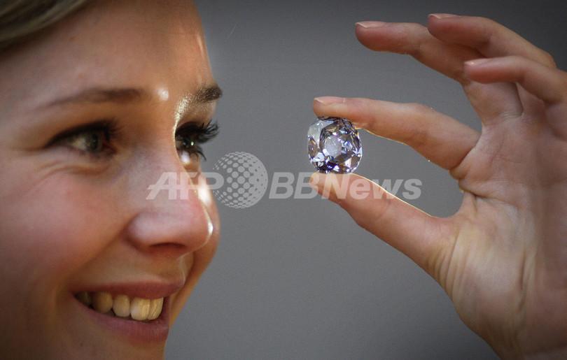 スペイン国王フェリペ4世が娘に贈った約12億円相当のダイヤ、競売に