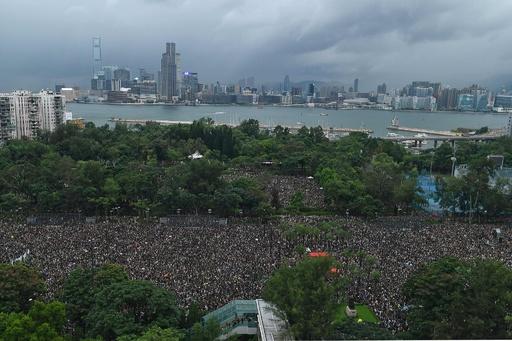 民主派がデモ行進強行、「平和裏」アピールも警察は不許可 香港