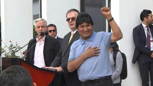 動画:ボリビア前大統領、亡命先のメキシコ到着 政界にとどまる意向表明