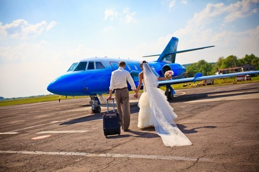 高度1万メートルのラブストーリー、ユナイテッド航空が募集