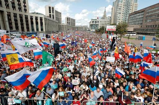 モスクワで2万2000人の大規模デモ、市議選独立系候補の登録拒否に抗議