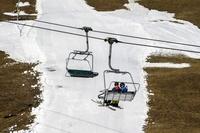 スイス、雪のない冬 降水量は150年間で最低