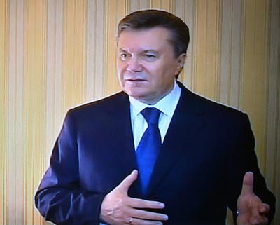 ヤヌコビッチ前大統領に逮捕状、ウクライナ