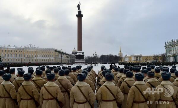 旧ソ連の暗い歴史「レニングラード包囲戦」のコメディー映画、ロシア世論を二分