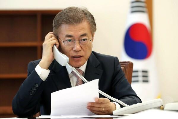 中韓首脳が初の電話会談、「北朝鮮の非核化は共通の目標」
