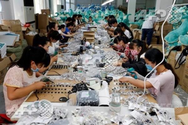 中国の労働人口、50年までに23%減少 当局予想