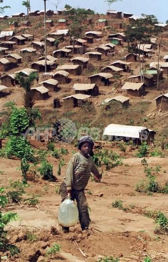 シエラレオネ、リベリア間の国境貿易ルートが17年ぶりに再開