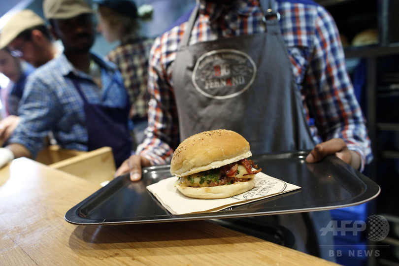 仏国民、バーガーの魅力に敗北… 販売数が定番サンド抜く