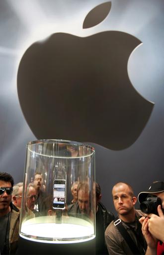 シスコ、「iPhone」の商標めぐりアップルを提訴 - 米国