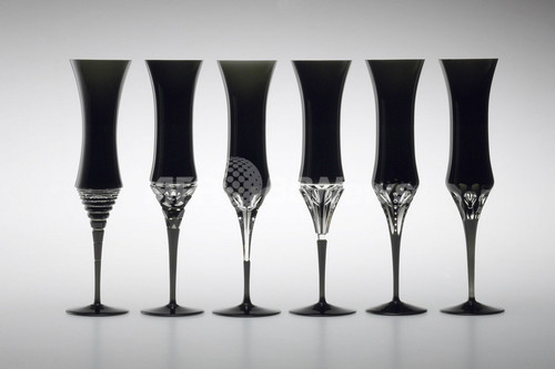 HOYAクリスタルから漆黒の輝きが印象的な新製品