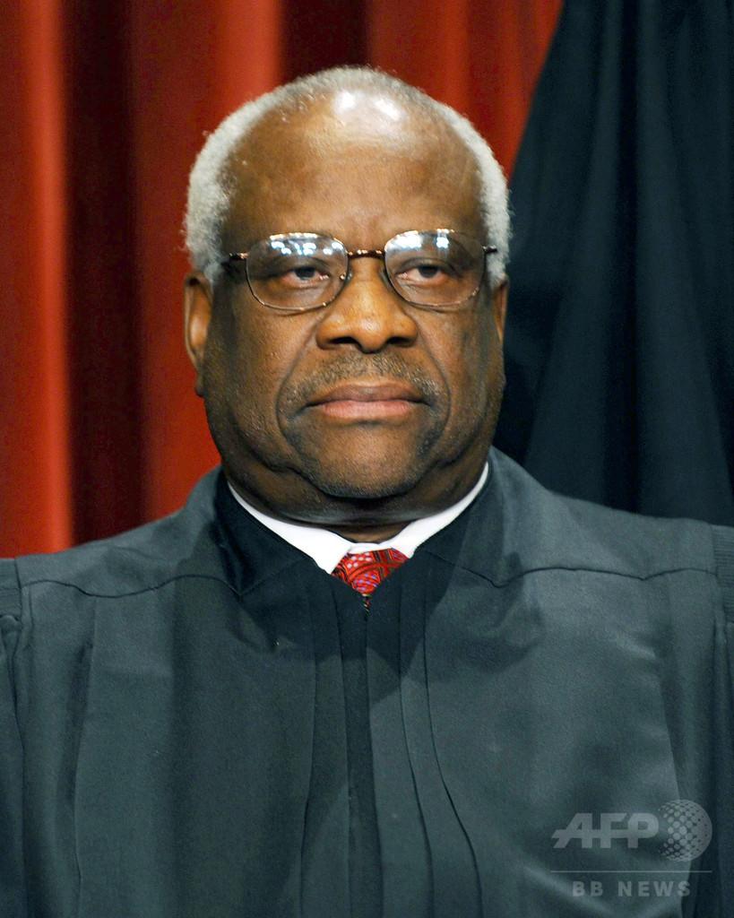 米最高裁判事が10年ぶり質問、法廷一同あぜん