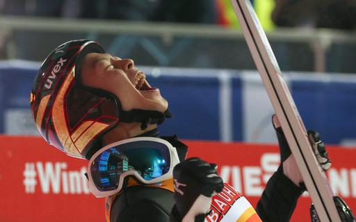 小林陵侑が総合優勝、日本勢初の快挙 ジャンプW杯男子