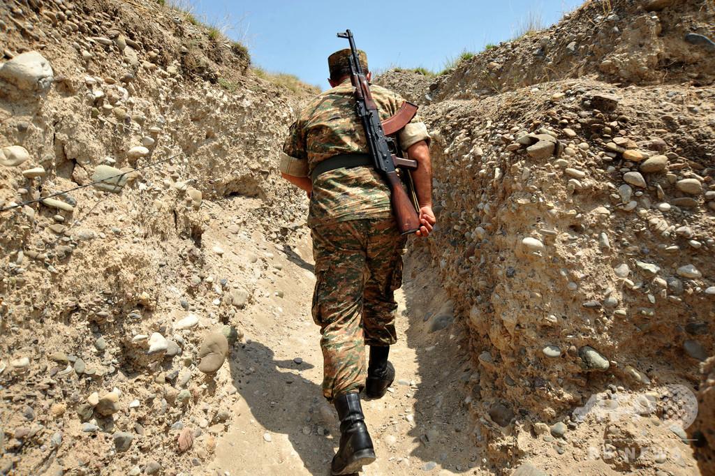 アルメニア・アゼルバイジャン国境で軍事衝突、4人死亡
