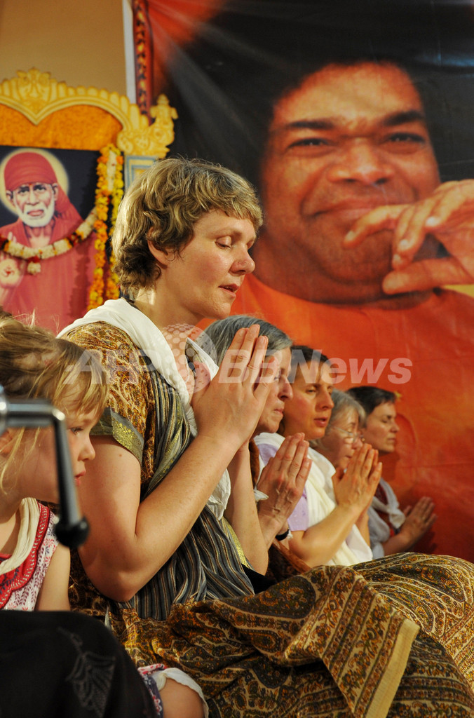 インドの霊的指導者、サイ・ババ死去 85歳