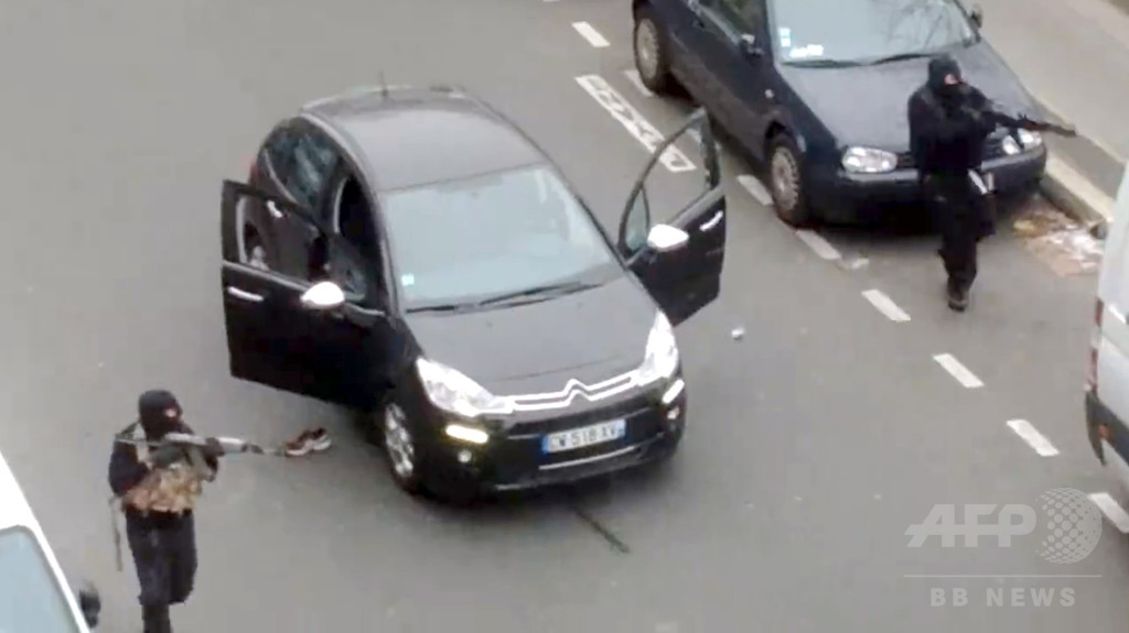 冷徹ながらもずさんな犯行、仏紙銃撃が示す新世代テロリストの姿