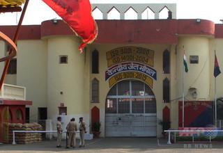 インドの州「幸福大臣」、殺人関与の疑いで警察が行方追う