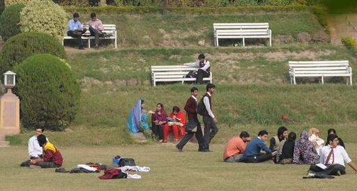 男女混合歓迎会を企画した教授刺殺、パキスタンの大学生逮捕