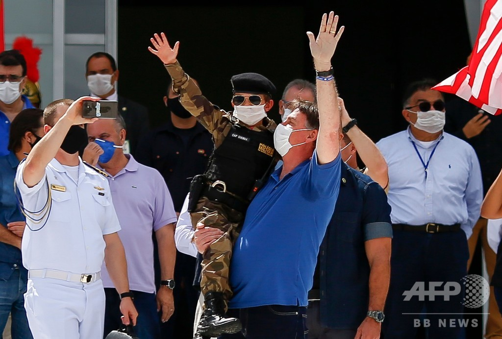 「右翼はクロロキンを飲む」ブラジル大統領