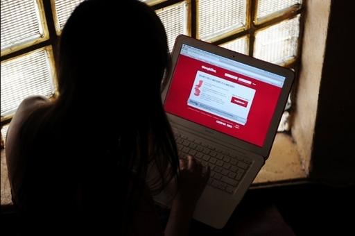 インターネット利用で親だます10代が多数、米国
