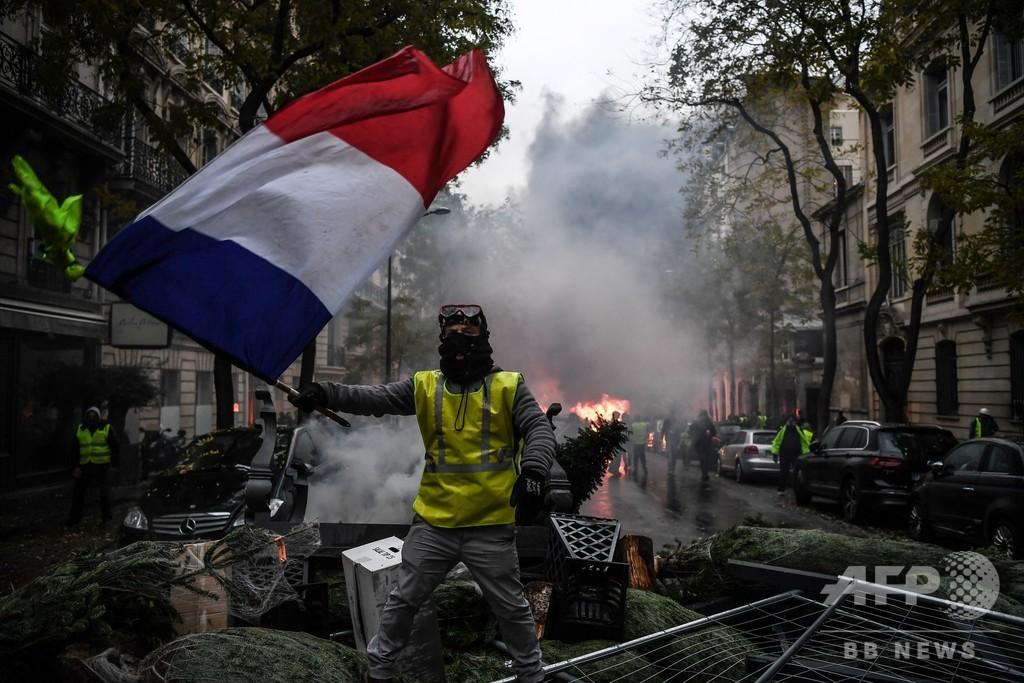 【記者コラム】パリの「黄色い」爆発