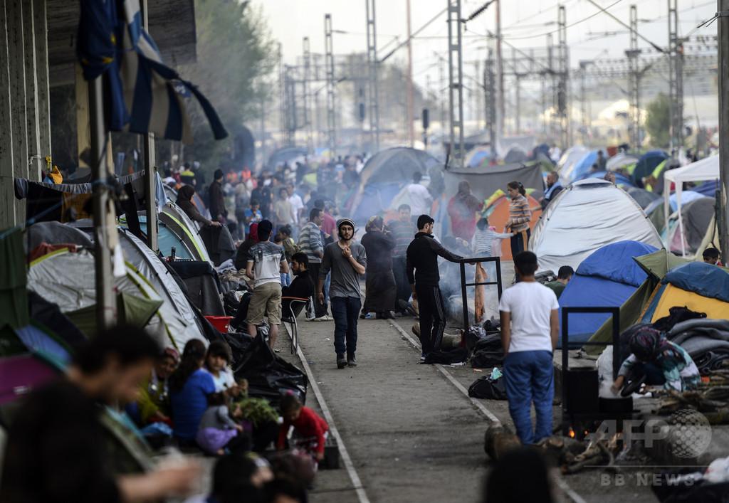【AFP記者コラム】ギリシャとマケドニアの国境で正気を失う難民たち