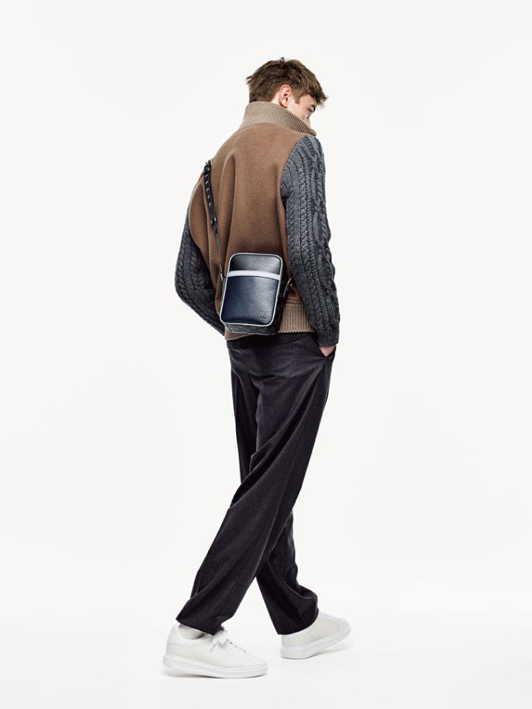 <minibag for holidays>フットワーク軽く手ぶら感覚のミニバッグ