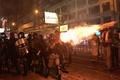 香港で16週連続の週末デモ、老人に催涙スプレー 「警察国家になった」と人気歌手