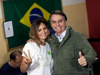 ブラジル大統領選、極右ボウソナロ氏が当選 「国の運命変えていく」