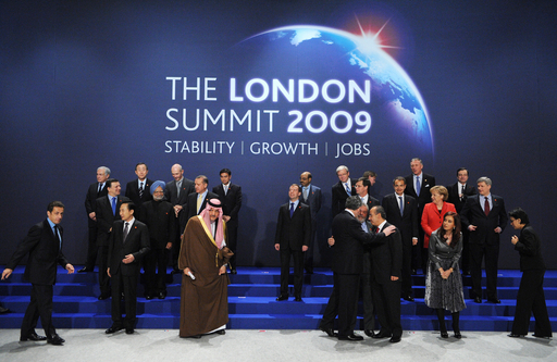 団結示したG20、集合写真撮影では団結できず