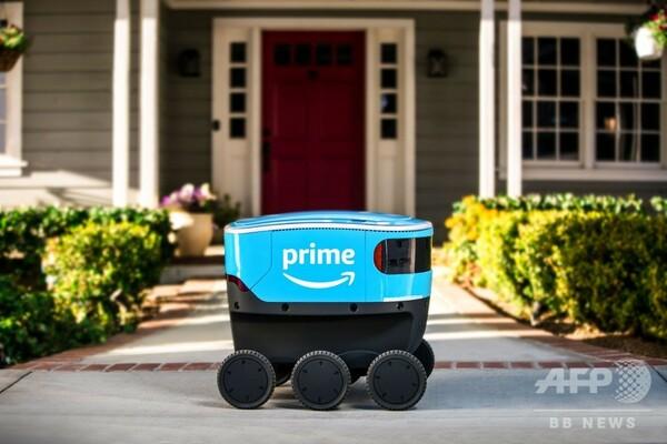 アマゾン、米シアトル近郊でロボット宅配開始