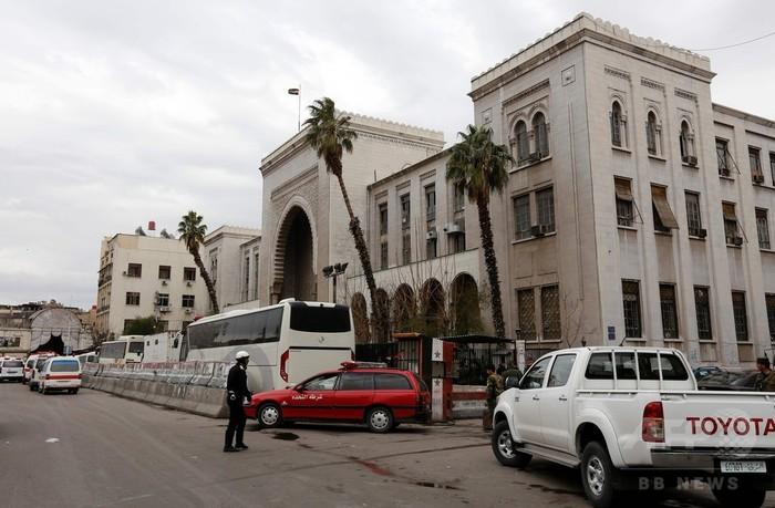 シリア首都でまた連続自爆攻撃、32人死亡 裁判所標的
